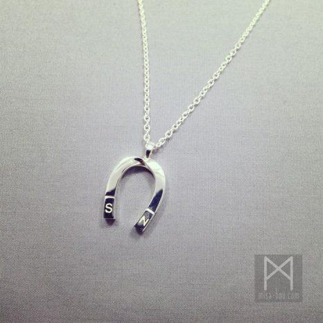 心を引き寄せる-磁石モチーフネックレス-プレゼント用オーダー