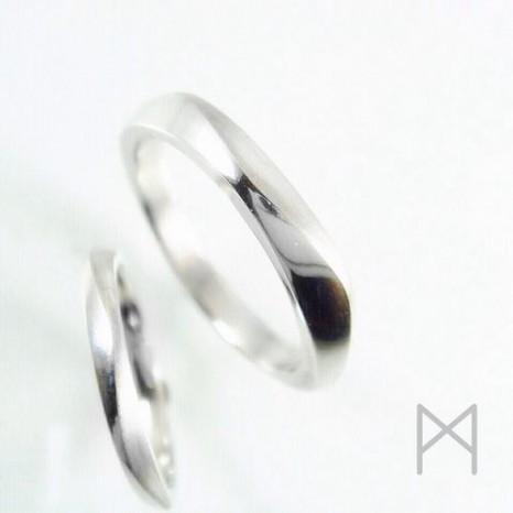 ふたりの時間を指に刻む光の輪|オリジナルマリッジリング(結婚指輪)【連奏】