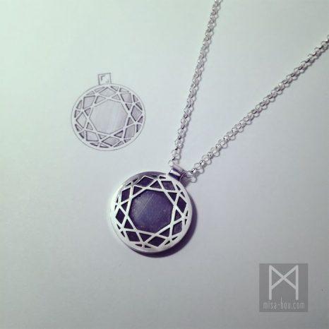 リバーシブル仕様ダイヤモチーフメンズ用ネックレス