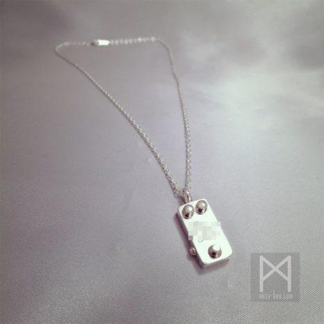 音響用エフェクターモチーフのシルバーネックレス