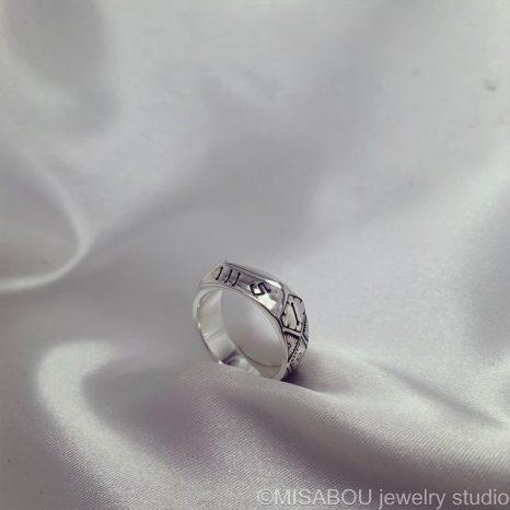 ジャンヌダルクの指輪を模したレプリカオーダーメイド